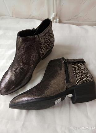 Ботинки 37 38  розмір бренд andre