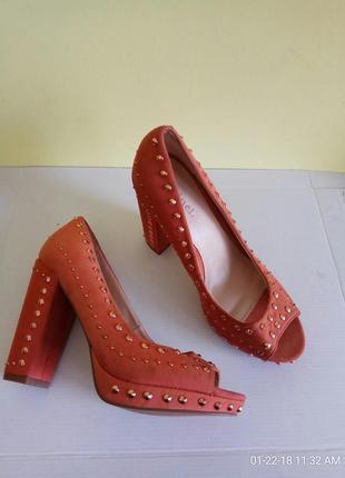 Розпродаж! туфлі 38 39 40 розмір бренд minelli