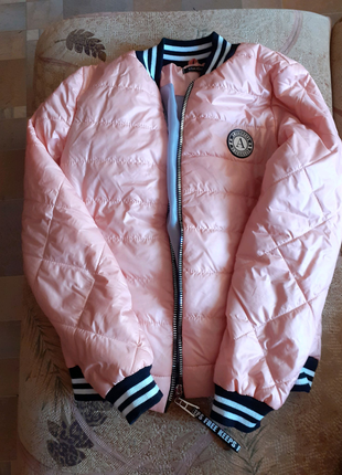 Куртка в хорошем состоянии носила мало 295грн Куртка как новая