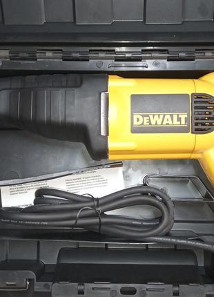 Пила сабельная DeWALT DW304P