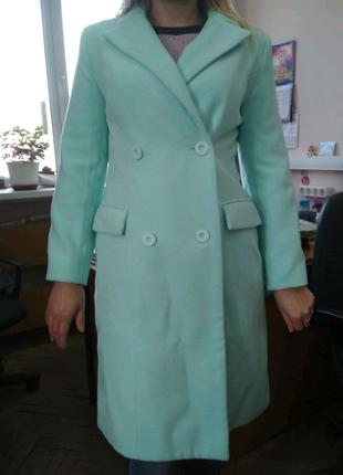 Пальто бонприкс мятного цвета размер 36-38 или 42-44 размера