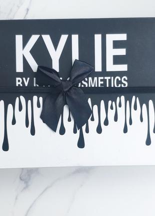Набор матовых помад KYLIE (Кайли) matte lipstick 12в1