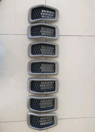 Решетка капота Jeep Cherokee KL