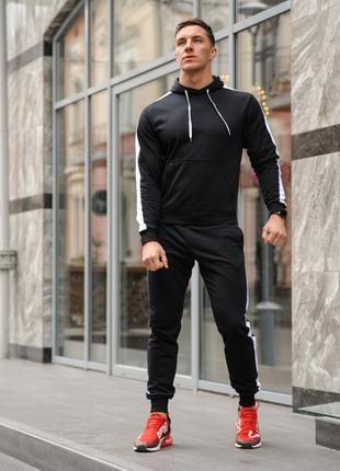 Черный мужской спортивный костюм с белыми лампасами (весна-осень)