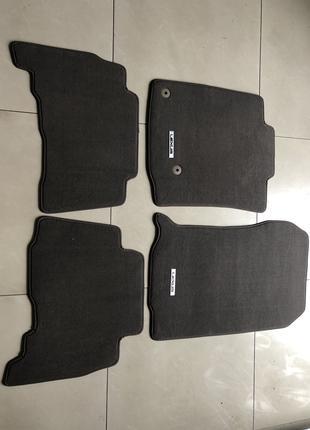 Новые оригинальные коврики на Lexus GX коричневые