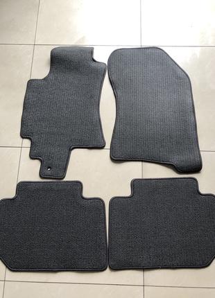 Новые оригинальные коврики на Subaru Tribeca