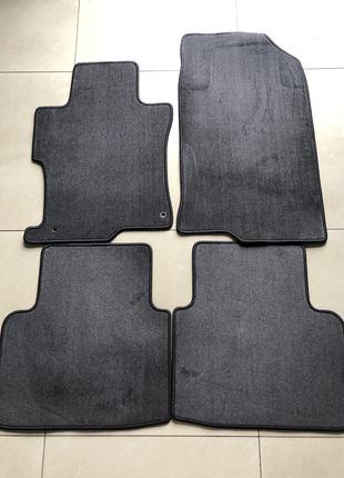 Новые оригинальный коврики на Honda Accord