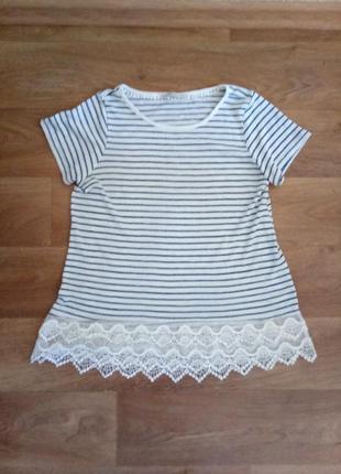Хорошенькая майка футболка блузка с кружевами ,большая