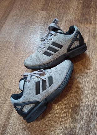 Детские кроссовки adidas zx flux , размер 30.5 , стелька 18.5 см