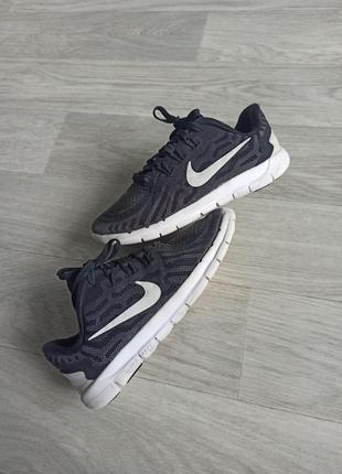 Детские кроссовки nike free run , размер 30 , стелька 18.5 см