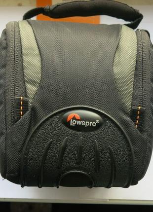 Сумка для фотокамеры. Lowepro Apex 100 AW Black