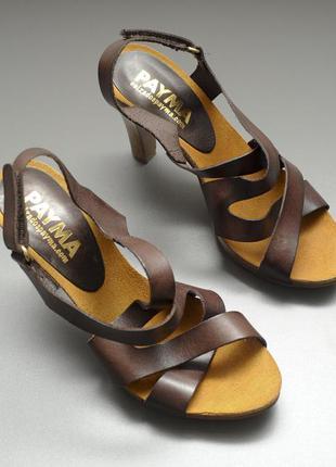 Кожаные винтажные босоножки на удобном каблуке. бразилия.