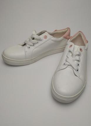 Кроссовки новые белые стильные р. 39