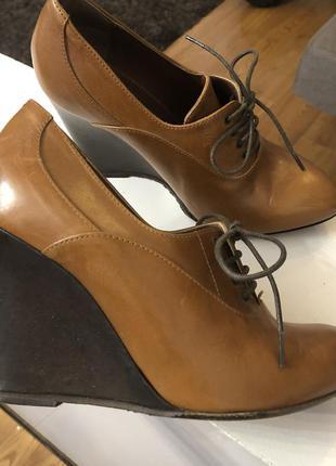 Италия натуральная кожа туфли ботиночки 37 размер