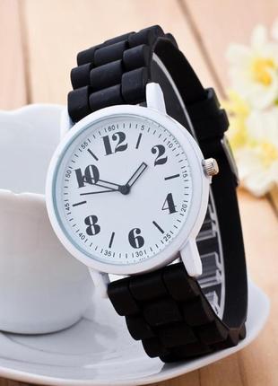 Недорогие женские наручные часы
