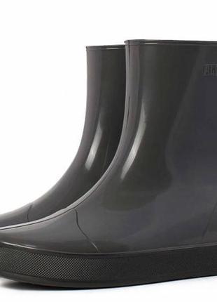 Резиновые сапожки низкие алида серые на чёрной подошве