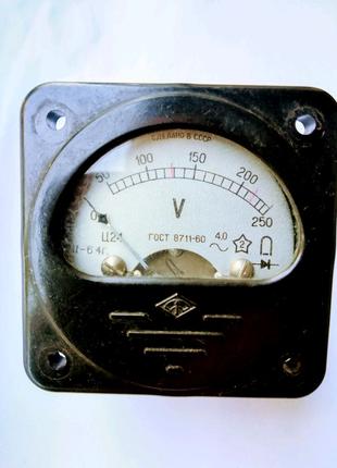 Вольтметр Ц24