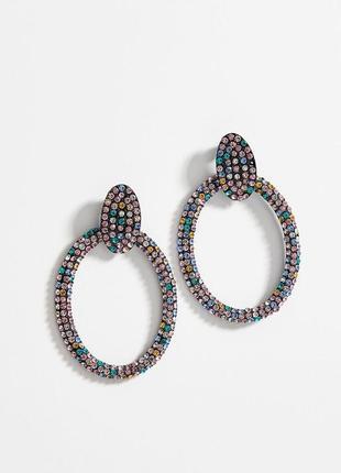 Серьги-кольца с разноцветными стразами