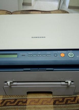 МФУ лазерный Samsung SCX-4220 4200 Отличный