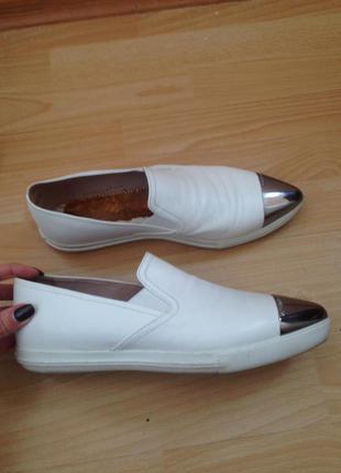 Мокасины белые кожаные Miu Miu