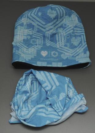 Комплект шапка на флисе и баф голубой принтованый.