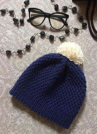 Вязаная шапка на голову ручная работа