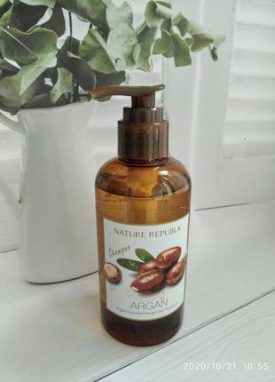 Шампунь для волос с аргановым маслом nature republic argan ess...