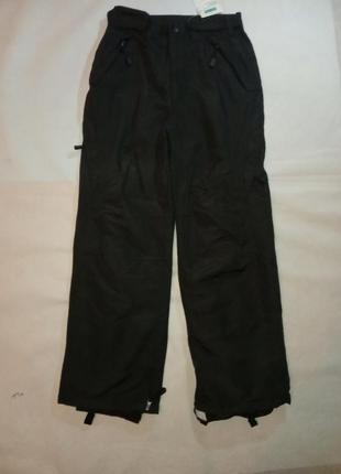 Черные лыжные штаны для сноубопда и зимних видов спорта