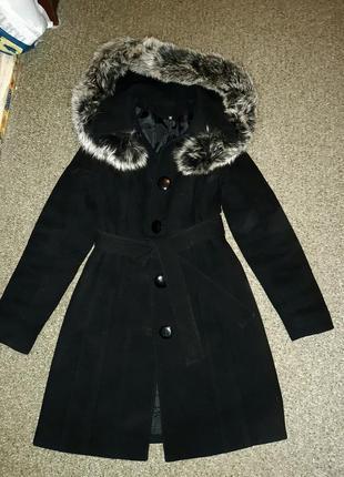 Зимнее шерстяное пальто с натуральным мехом чернобурки
