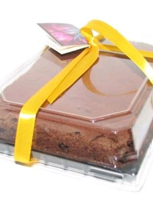 Торт БРАУНИ (шоколад и черная смородина)