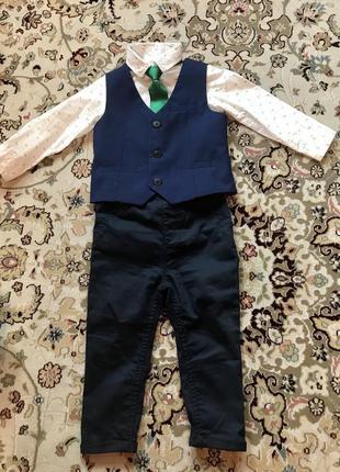 Костюм нарядный на мальчика фирма next на 1 год