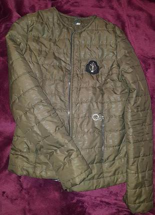 Продам Демисизонную куртку