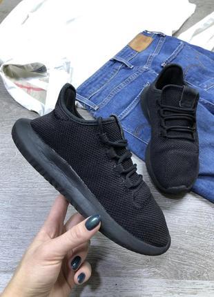 Комфортные базовые кроссовки adidas tubular shadow
