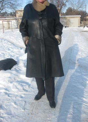 Пальто из натуральной кожи,54 размер