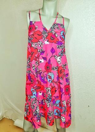 Платье в цветах
