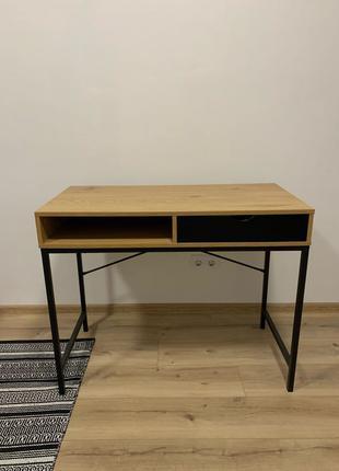 Продам рабочий/письменный стол TRAPPEDAL дуб/черный (JYSK) 2 шт