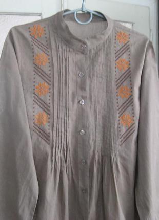 Туника с ручной вышивкой из натуральной ткани