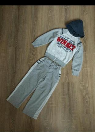 Спортивный костюм: штаны, кофта на мальчика 4-5 лет, 110 см.