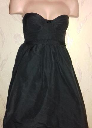 Платье-бюстье, маленькое черное платье.