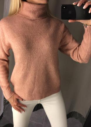 Тёплый свитер с горлом. amisu. размеры уточняйте.