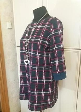 В клетку платье свитер с рукавом 3/4. туника.