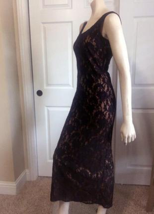 Кружевное платье футляр длинное
