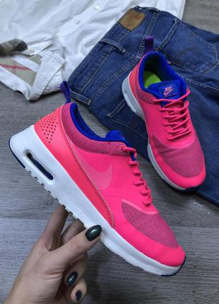 Яркие кроссовки nike air max thea