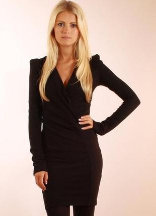 Темно серое платье с длинным рукавом, теплое