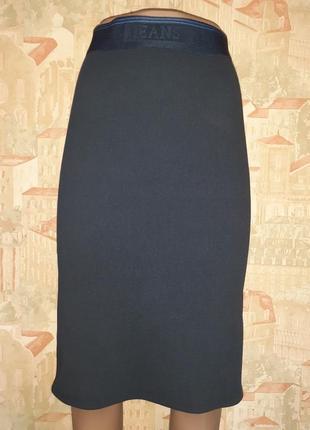 Темно синяя юбка резинка рубчик