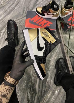 Кроссовки Nike Air Jordan 1 Gold/Black.