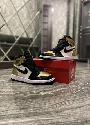 Кроссовки Nike Air Jordan 1 Gold/Black.
