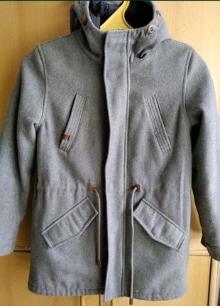Демисезонное пальто на мальчика, рост146