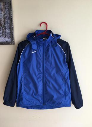 Спортивная лёгкая  куртка-ветровка на мальчика 10-12 лет, nike