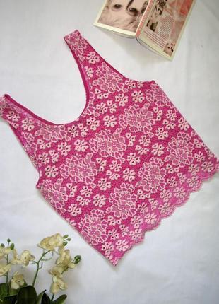 Стильный розовый ажурный укороченный кроп топ майка в цветы ра...